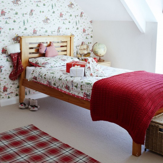 Child s room be inspired by this festive longhouse in somerset
