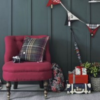 Green panelled hallway with pocket bunting