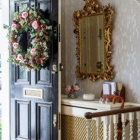 Take a turn around this elegant Georgian townhouse in London