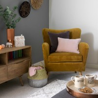Cosy and Christmassy living room corner