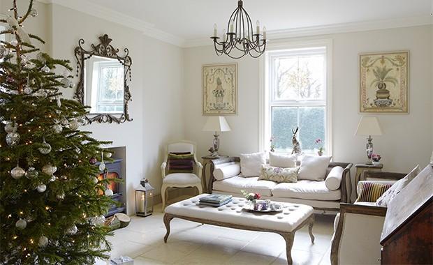 Step inside this festive farmhouse